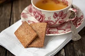 Sugar and Cinnamon Crisps