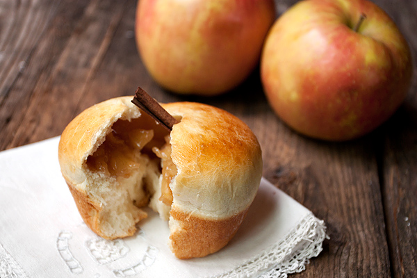 apple buns