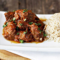 spiced beef curry o plate with rice