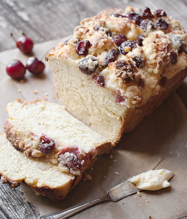 SWEET YEAST BREAD WITH A CREAM CHEESE, CHERRY AND CRUMBLE TOPPING