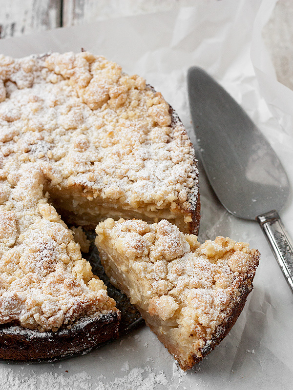 Fresh Apple Crumble Cake Seasons And Suppers