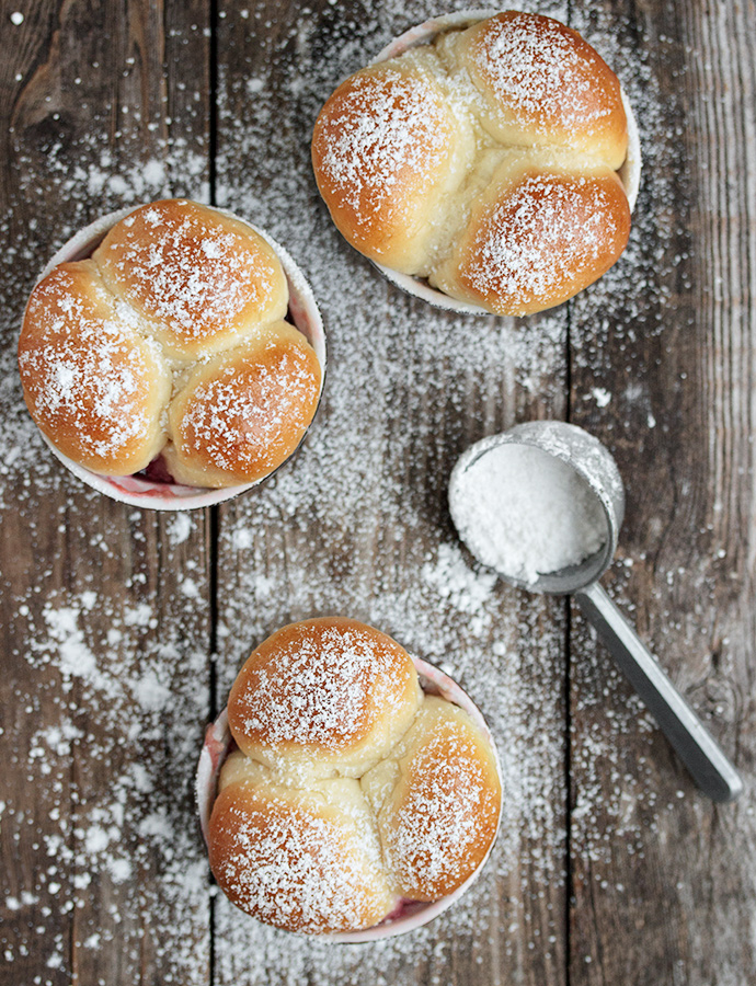 Warm Bread Bites with Raspberry Jam Dip