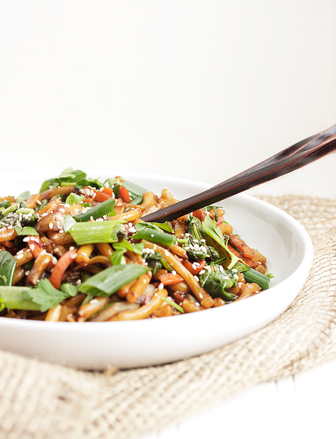 15 Minute Udon Noodle and Vegetable Stir Fry
