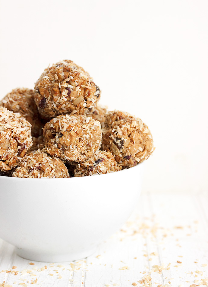 Honey Peanut Butter Granola Snack Bites - Seasons and Suppers