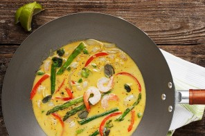 Thai Green Curry Shrimp with Asparagus