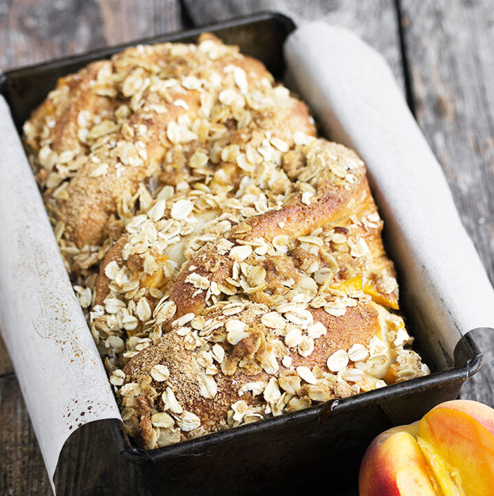 peach crisp bread in pan