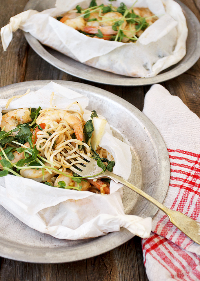 Shrimp, Bok Choy and Noodles en Papillote
