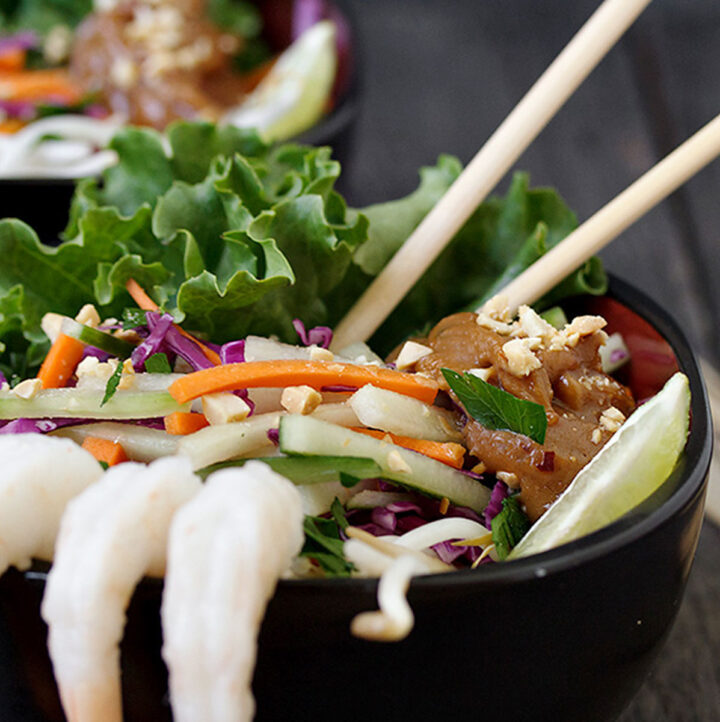 shrimp Summer roll salad in black bowl
