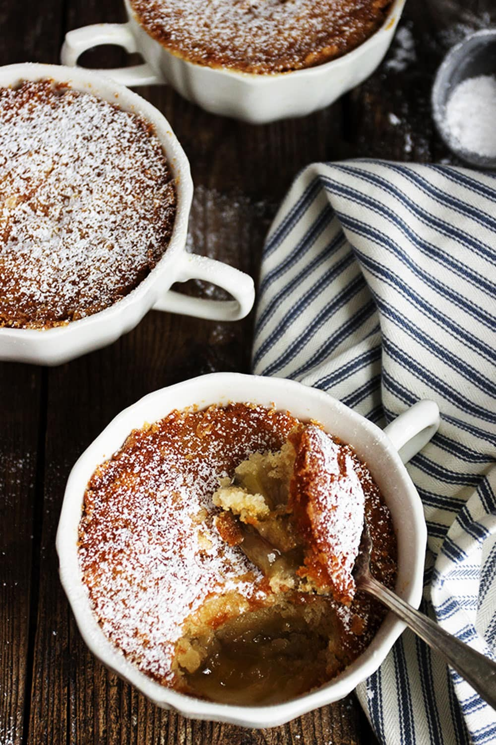 rhubarb pudding cakes in tea cups