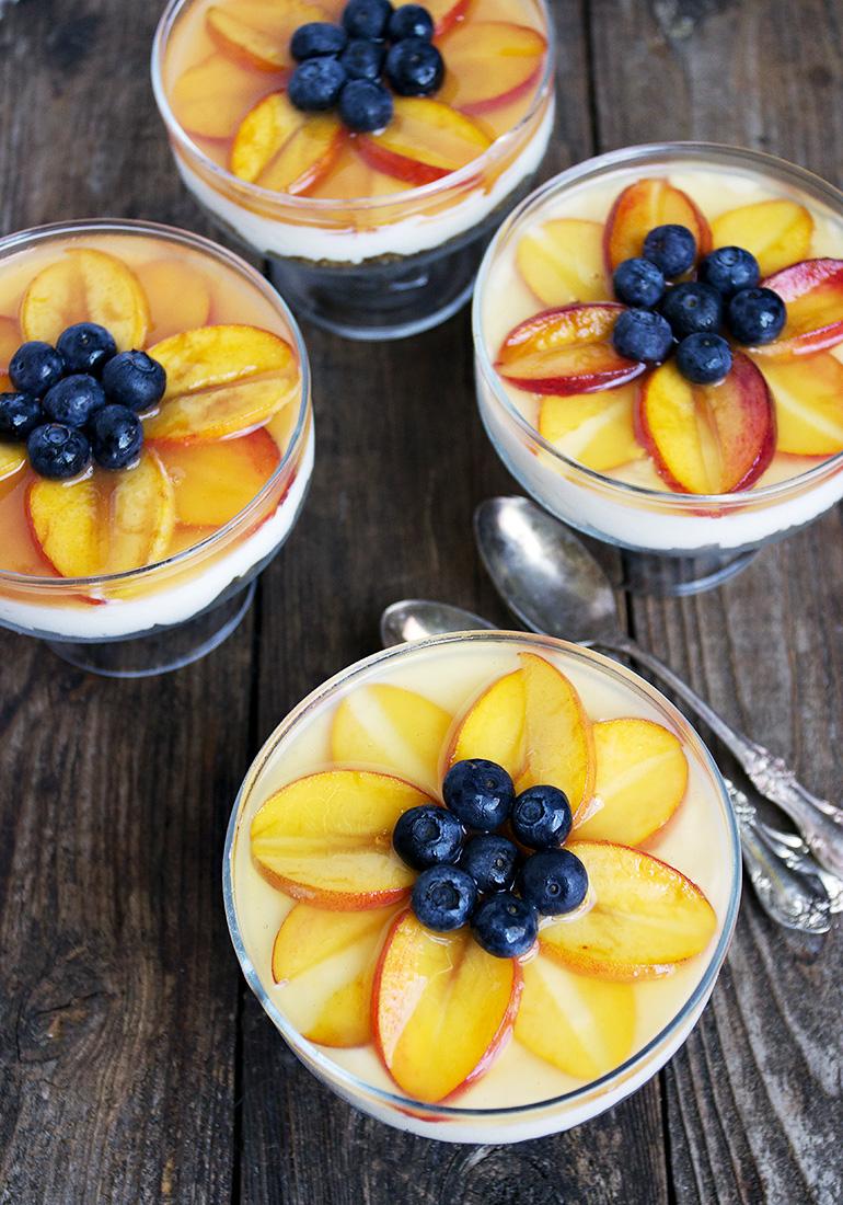 No-Bake Peach Cheesecake Cups