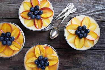 No-Bake Peach Cheesecake Cups