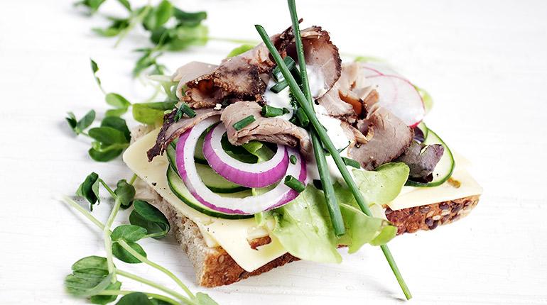 Roast Beef Open-faced Sandwich with Jarlsberg