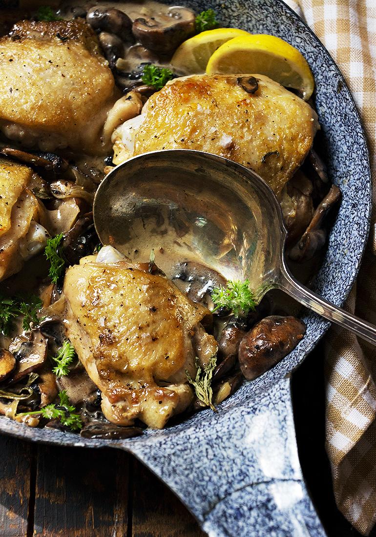 Chicken Thighs and Mushrooms Skillet