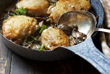 Chicken Thighs and Mushrooms Skillet
