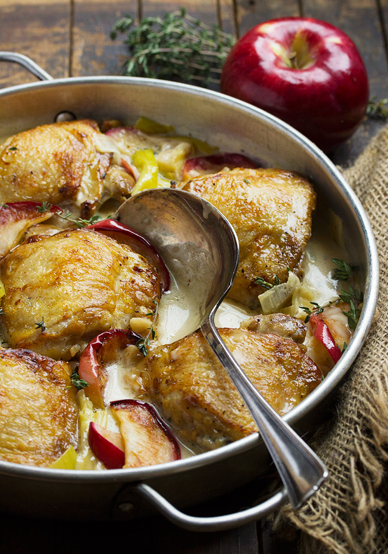 Chicken with Leek and Apples