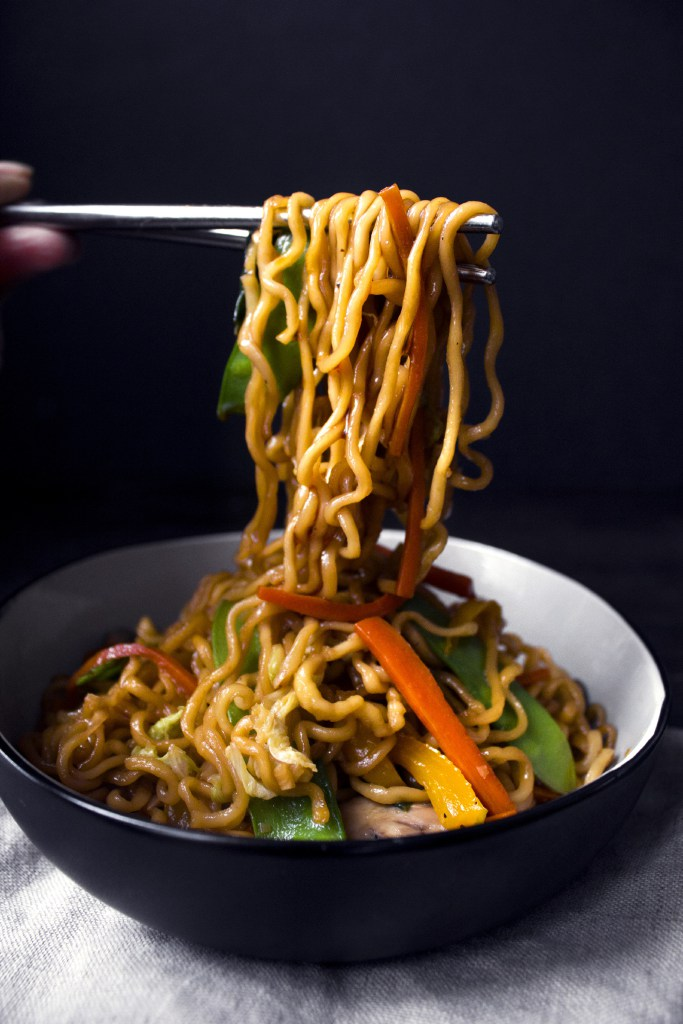 quick-veggie-noodle-stir-fry-with-chopsticks