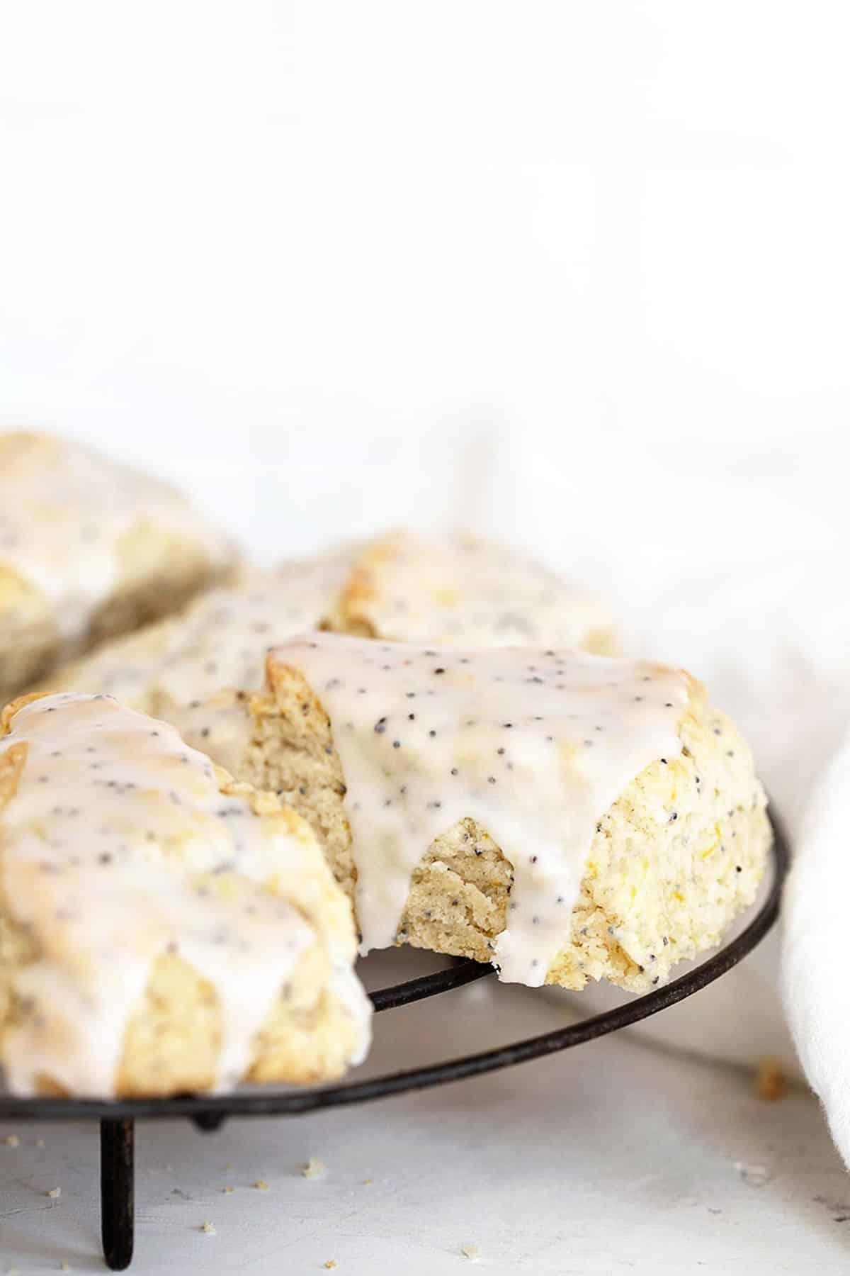 lemon poppy seed scones on cooling rack