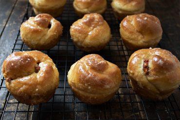 Sticky Apple Cinnamon Rose Buns