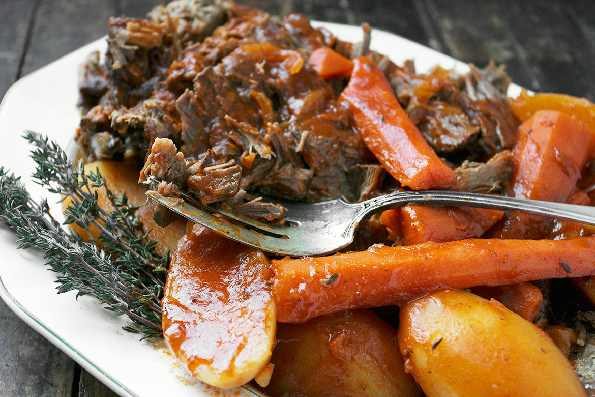 Slow Cooker Tangy Tomato Pot Roast