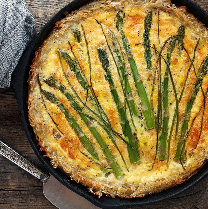 asparagus quiche in cast iron skillet