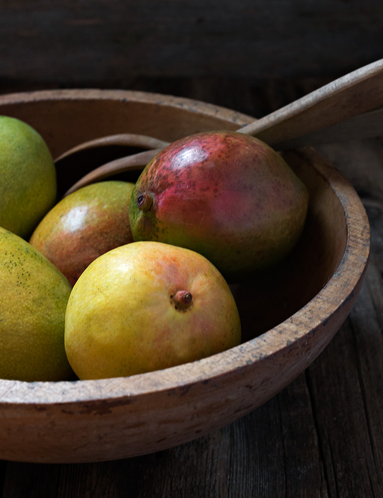 Mangos in a bowl