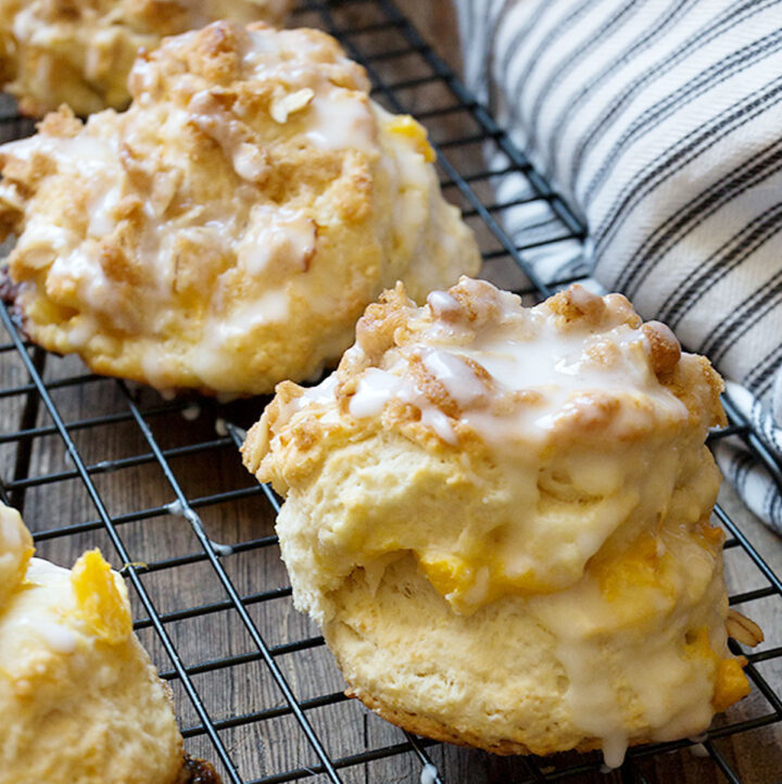 peach crisp biscuits on cooling rack