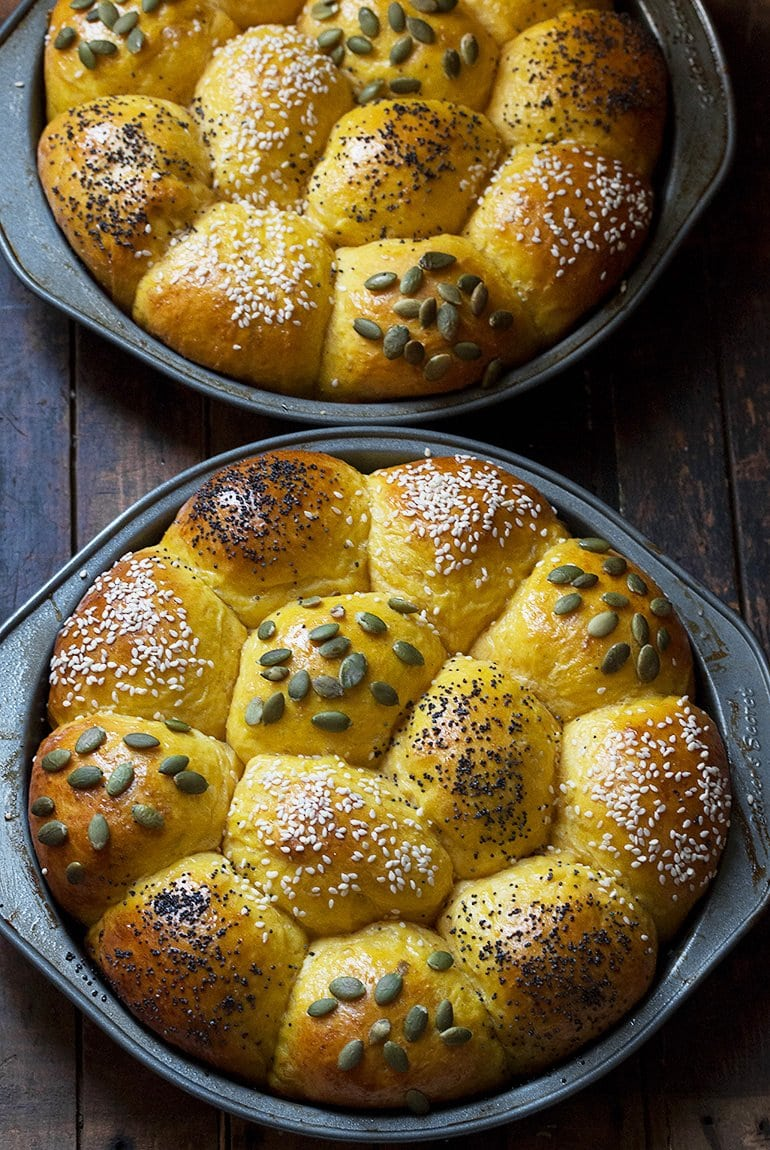 Honey Pumpkin Dinner Rolls