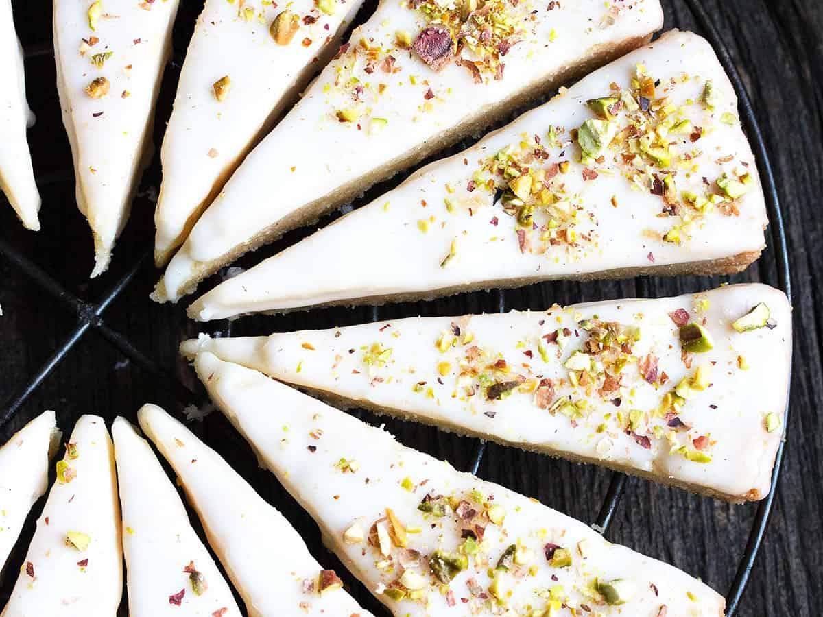 lemon pistachio cookies sliced