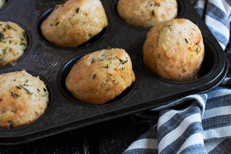 focaccia rolls in muffin tin
