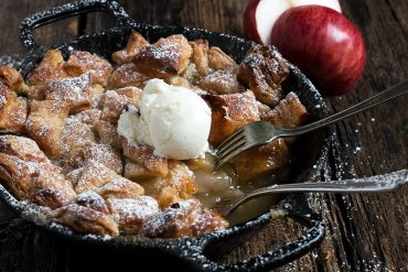 Easy Skillet Apple Pandowdy