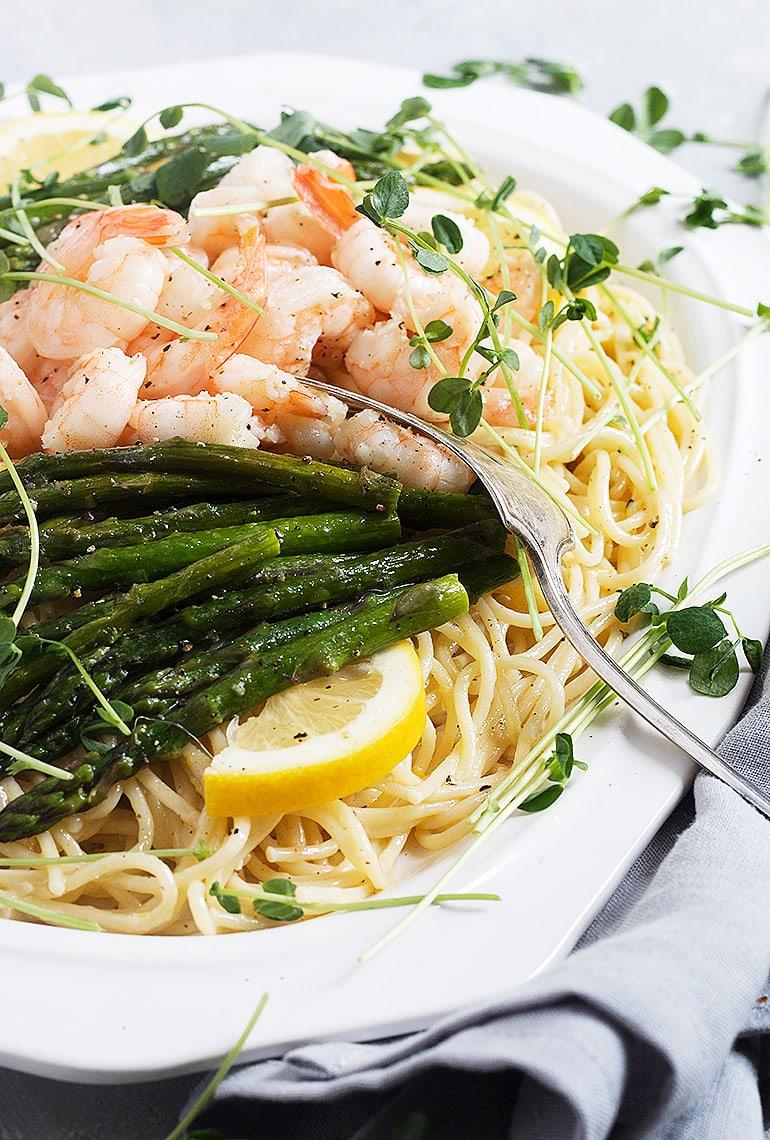 Lemon Pasta with Asparagus and Shrimp