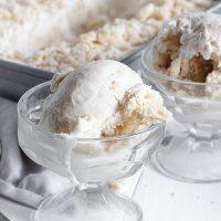 banana cream pie ice cream in bowls