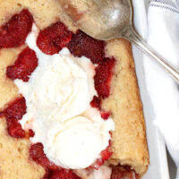 strawberry spoon cake with spoon