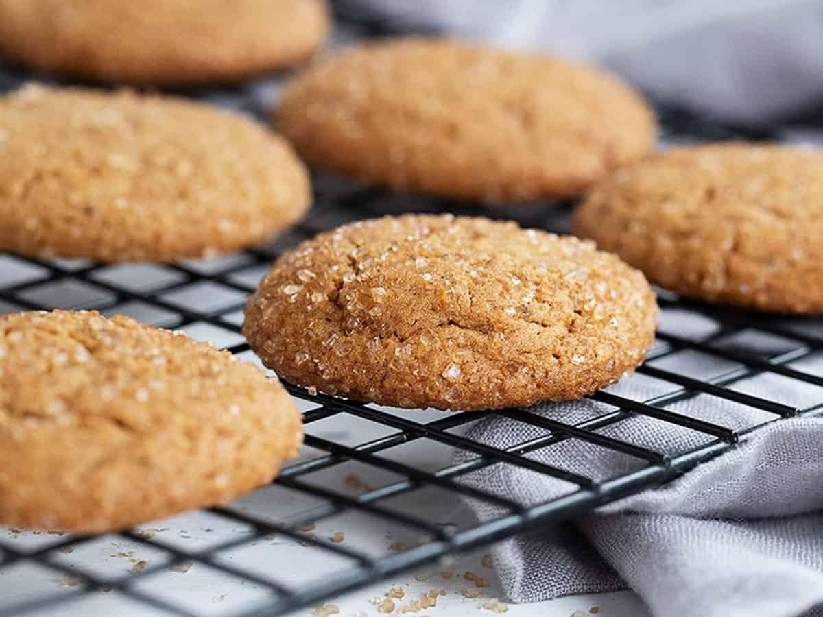 gingersnap cookies on cooling rack